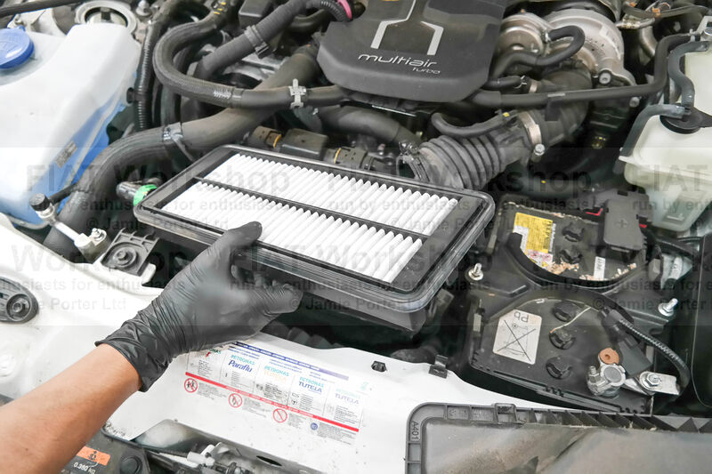 <p>You can now replace the air filter.